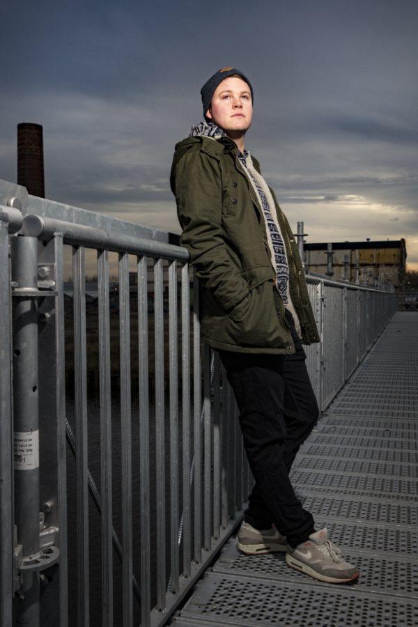 Groningen 20161208. Jordi Meijerink aka Jolar Drim, techno muzikant, op de achtergrond de oude suikerunie. foto: Pepijn van den Broeke